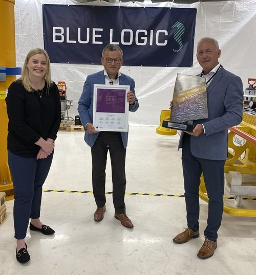 From left to right: Tina Bru, Minister of Petroleum and Energy, Helge Sverre Eide, business manager at Blue Logic, and Stig Magnar Lura, managing director at Blue Logic.