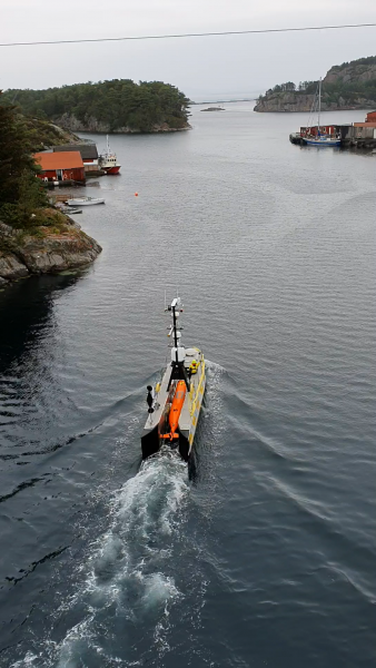 Figure 3: Sea-Kit Maxlimer transiting to commence inspection operations with the HUGIN AUV onboard.